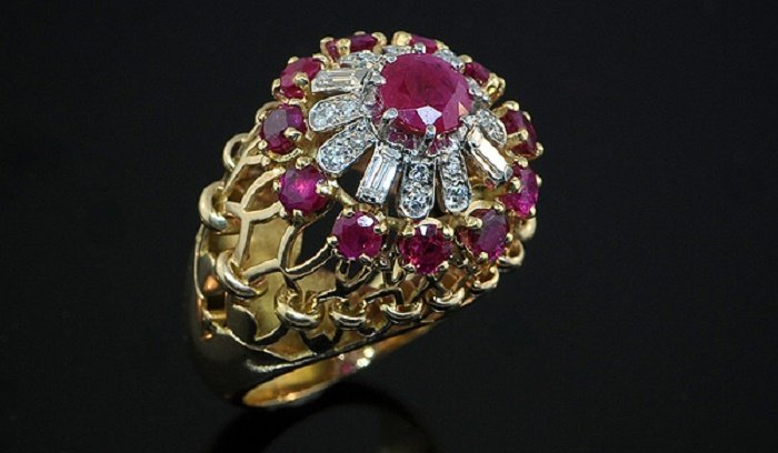 Photo Credit: http://lucasrarities.com/collection/a-french-ruby-diamond-cocktail-ring-by-chaumet/