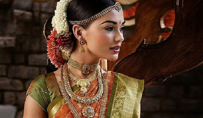 Photo Credit: http://southindiajewels.com/tanishq-bridal-jewelry-collections/