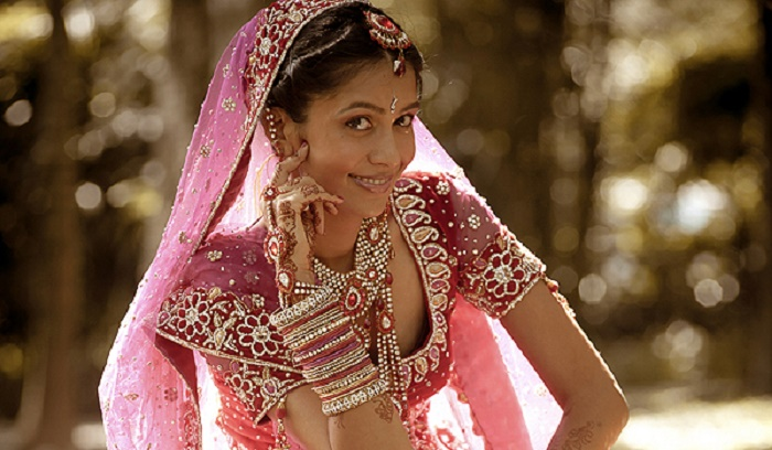 Photo Credit: http://www.idiva.com/opinion-style-beauty/bridal-jewelry-new-age-or-traditional/26032