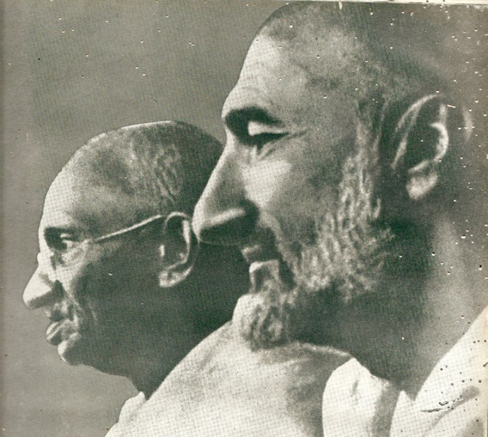 Image Credit https://independentindian.com/2009/11/11/mk-gandhi-and-khan-abdul-ghaffar-khan-frontier-gandhi/