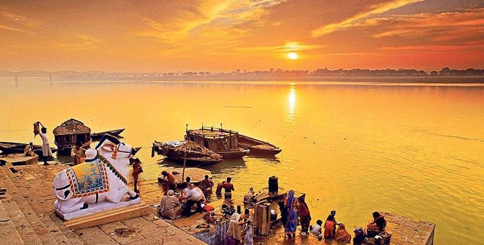 Image Credit : https://www.telegraph.co.uk/travel/cruises/riversandcanals/11410720/Ganges-river-cruise-Among-the-ghats-and-gods.html