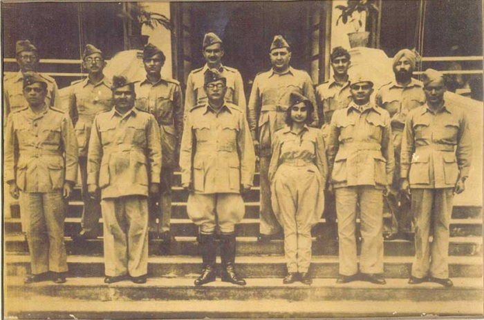 Image Credit : https://commons.wikimedia.org/wiki/File:Netaji_Subhas_Chandra_Bose_and_Members_of_the_Azad_Hind_Fauj.jpg
