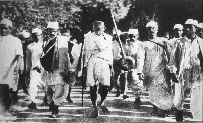 Image Credit : https://caravandaily.com/portal/75-years-of-quit-india-movement-when-hindutva-brigade-ganged-up-with-british-rulers-and-muslim-league/