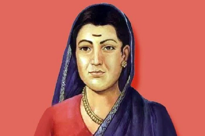 Image Credit : http://hindi.catchnews.com/india/remembering-savitribai-phule-on-her-death-anniversary-first-lady-teacher-of-india-open-first-time-girls-school-in-india-during-british-rule-102375.html