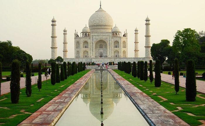 Image Credit : https://en.wikipedia.org/wiki/Taj_Mahal